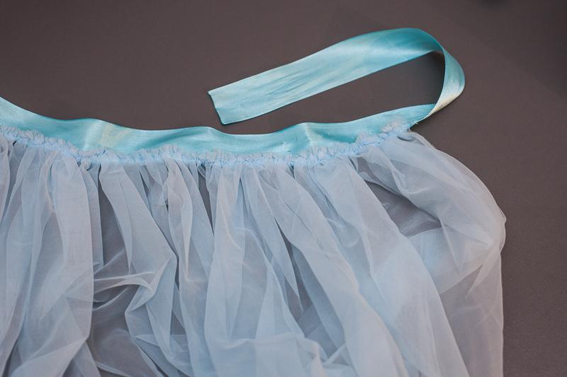 Dolna część suknii - marszczenie na tasiemce